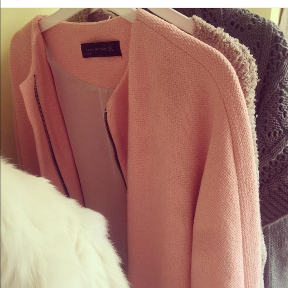 Zara Jackets & Blazers - A cardigan/ can also be worn as a light coat.